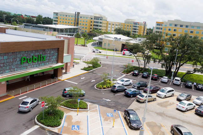 SELLING POINT—This Publix grocery store—part of a new wave of college retail—serves students who live in a new residential complex at the University of South Florida.