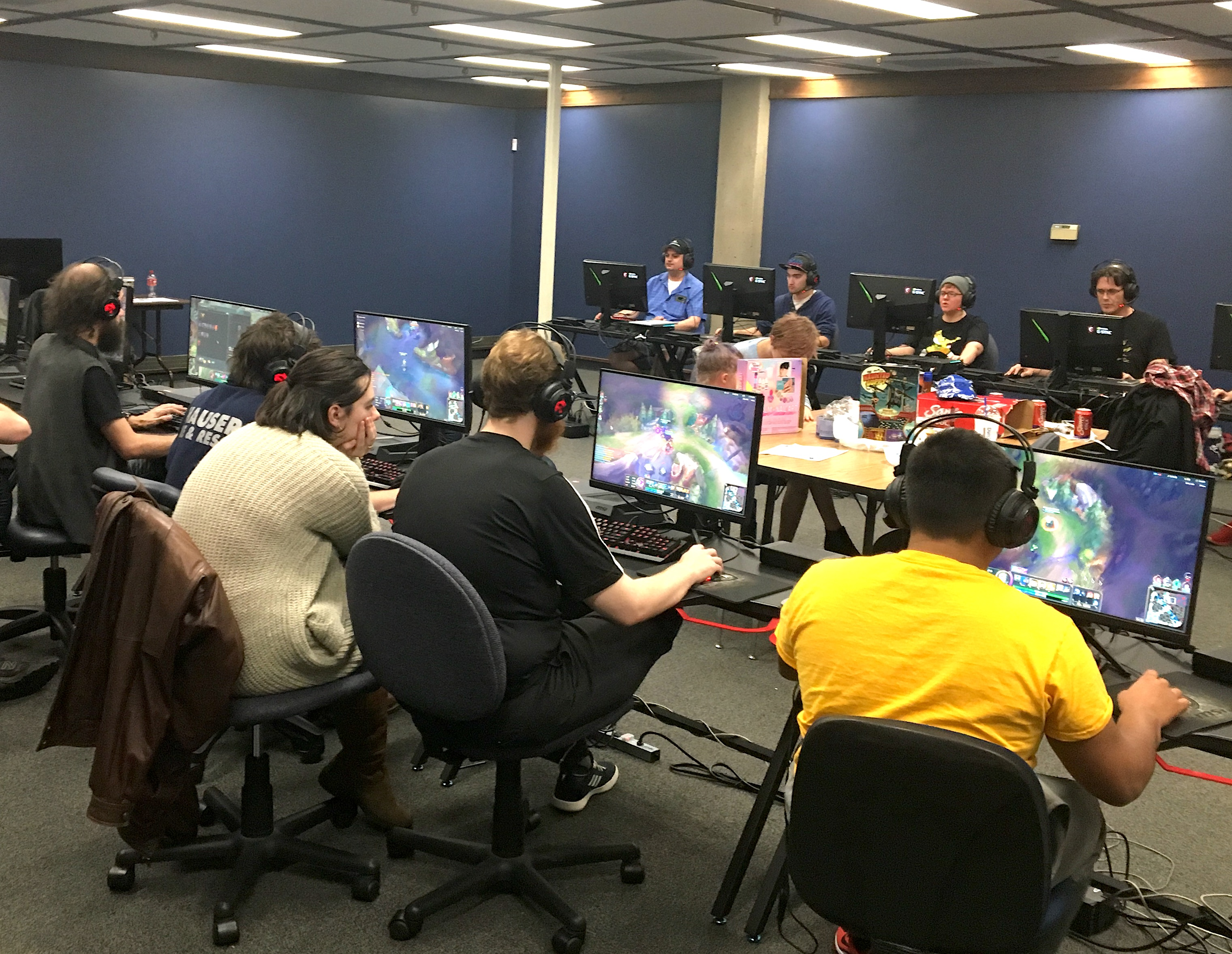 Esports teams at Southwestern Oregon Community College compete against two- and four-year schools.