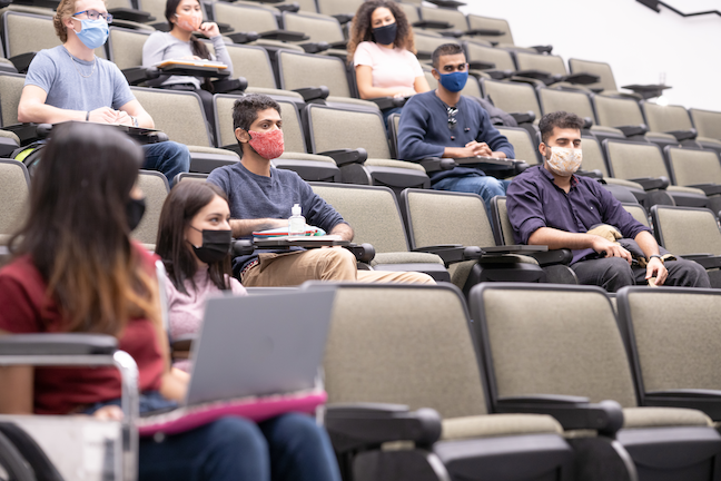 """More than 90% of introductory course faculty reported teaching in an online or hybrid format, which is a """"steep departure"""" from the 80% of introductory courses that are typically taught in-person. (GettyImages/FatCamera)"""